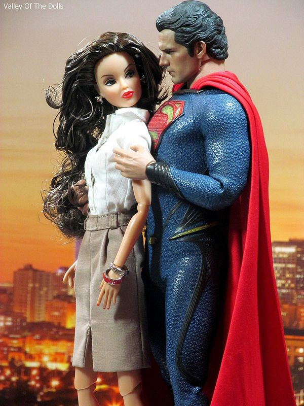 Lois Lane Action Figure: HOT TOYS MAN OF STEEL ACTION