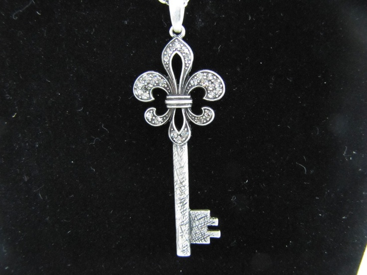 fluer de lis key....but the type you can have rekeyed for your home is available and look great...have three
