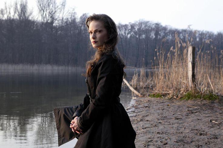 Zeena Schreck by Florian Buettner