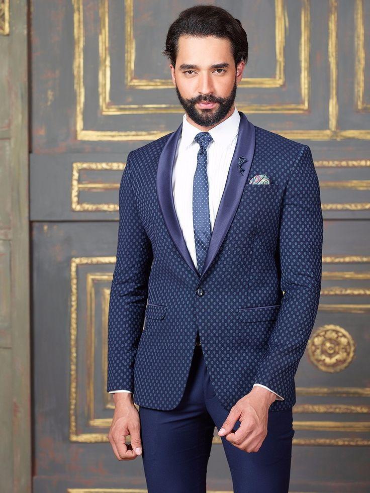 Тёмно-синий мужской костюм-двойка   белая рубашка с галстуком