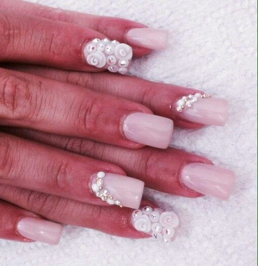 Flowers nails swarovski