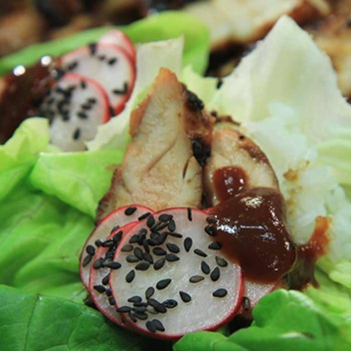 Koreansk kyckling med ris och picklade rädisor