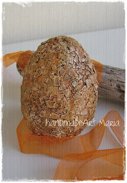 Easter egg with egg shells  http://handmadeartmaria.blogspot.com