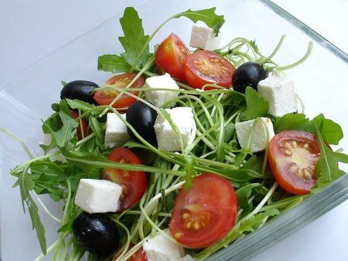 Rucola, de 8 ori mai mult calciu decât salata verde