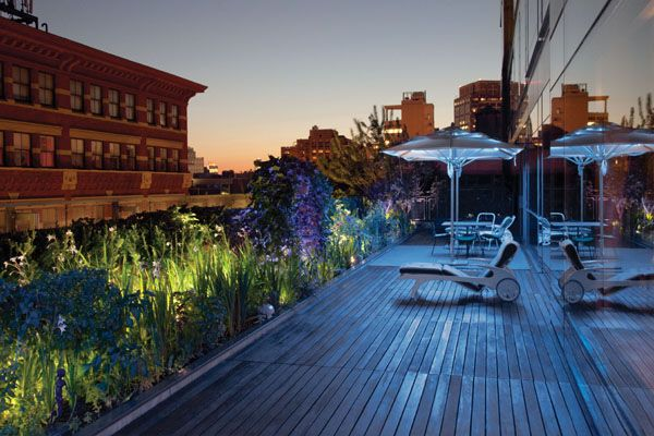 The position of the Jean Nouvel terrace on the seventh floor al- lows quiet enjoyment of the sunset in the evening and a rare view of decorative elements of nineteenth-century buildings nearby. Blue lights mounted to thespines of the umbrel- las and additional lighting amongst the plantings produce a stunning effect for a special occasion.