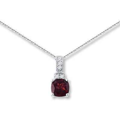 Make this gorgeous garnet necklace your favorite autumn accessory.