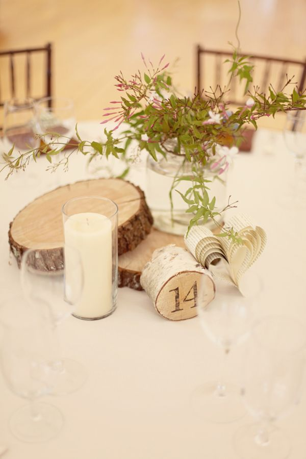 Wood disc centerpiece pour le travail pinterest