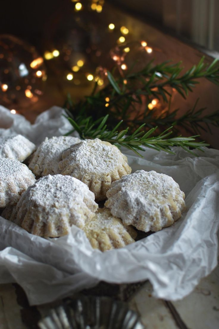 Šape {paws} - deliciously light and crumbly walnut cookies   heneedsfood.com