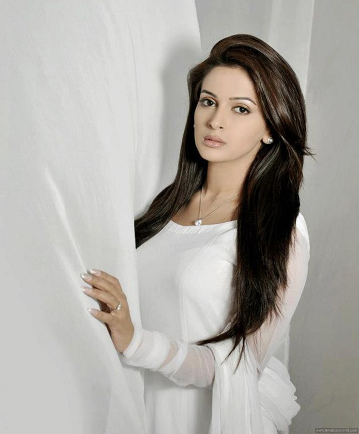 Cutest Pakistani Actress Saba Qamar Wallpapers