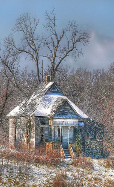 Cute One Story Old Farm House I love each & every one of YOU!