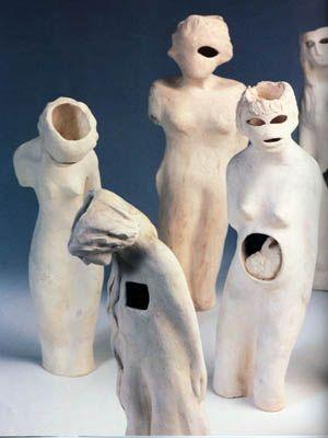 "Füreya Koral, ""Walking people A"", terracota, 24x37 cm,1990 (Erdinç Bakla archive) (Erdinç Bakla archive)"