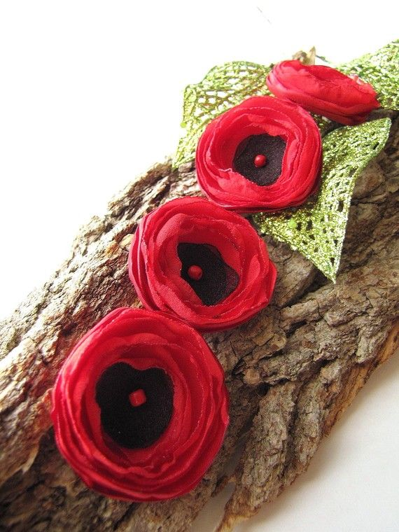 Tiny and Thick... Handmade sew on fabric flower appliques (4pcs)-  TINY RED POPPIES