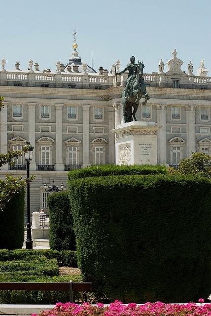 """""""Plaza de Oriente"""" by Viviendo Madrid"""