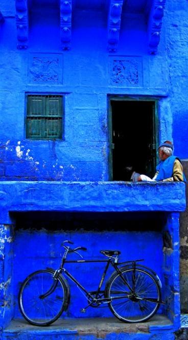 La vivienda azul y azul.