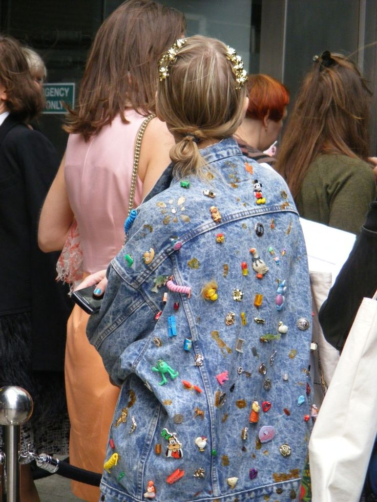Take an oversized denim jacket and pin it with badges x