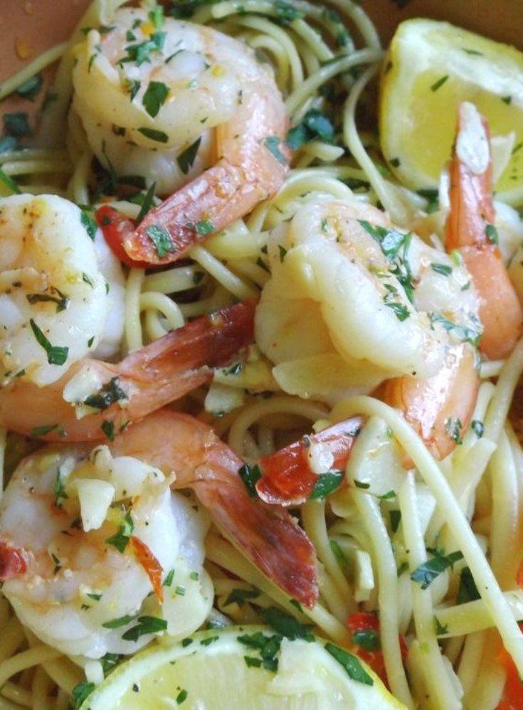 Camarones al Mojo de Ajo (Garlic Shrimp with Pasta)