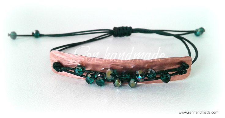 Handmade bracelet with crystals Find more at www.senhandmade.com
