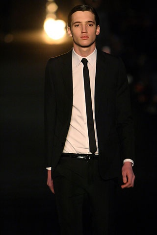 suit: Black Skinny, Men Accessories, Skinny Ties, Fall 2006, Dior Homme, 2006 Menswear, Black Suits, Tailored Suits, Fashion Handbags