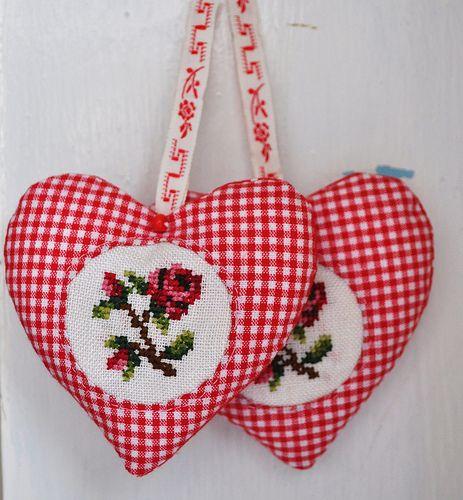 Hearts with cross stitch - pretty!