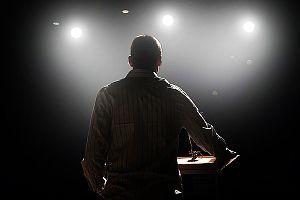 Die Kunst, einen guten Vortrag zu halten, lässt sich größtenteils lernen - mit den richtigen #Präsentationstechniken...    http://karrierebibel.de/praesentationstechniken-so-bleibt-ihr-vortrag-in-erinnerung/