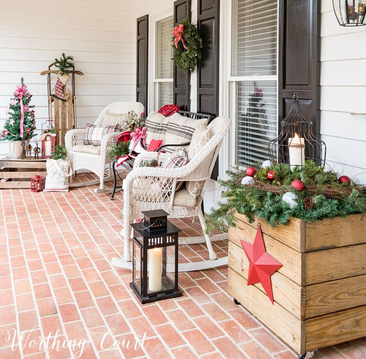 Cozy Christmas front porch    Worthing Court