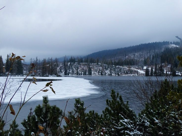 Frozen lake, Štrbské pleso in High Tatras. Article about what to do one week in Zdiar: what to see | High Tatras hiking and scenery Frozen lake, Štrbské pleso #travelblog #visit #travelpost