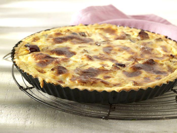 Schil de aubergine en snijd in blokjes, besprenkel met citroensap om verkleuren te voorkomen. Snijd de geschilde aardappel in blokjes zo groot als de aubergine enblancheer ze. Hak de sjalot, …