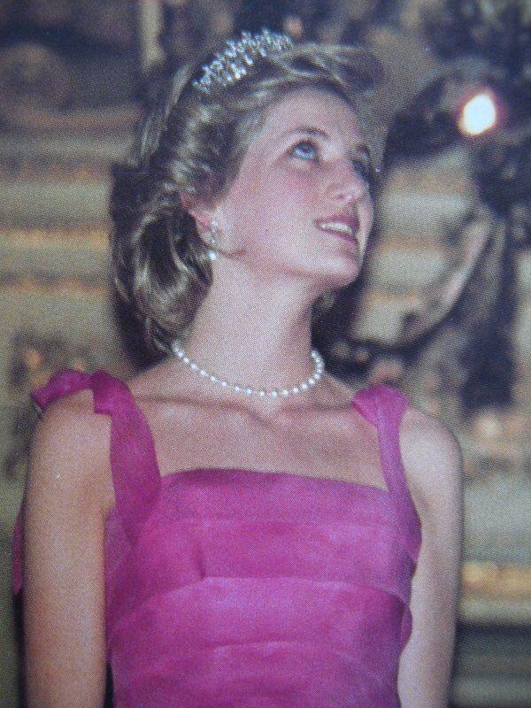 Mejores 371 imágenes de DIANA 2 princezná en Pinterest | Gales ...