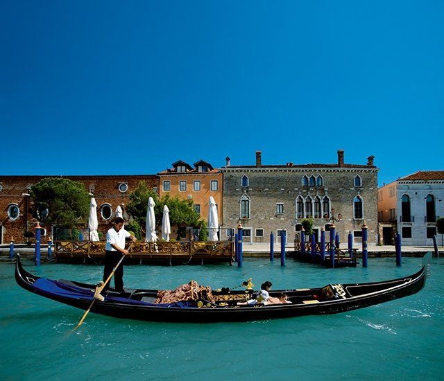 yepGondola, Beautiful Places, Budget Travel, Travel Tips, Venice Italy, Honeymoons, Places To Go, Italy Travel, Travel Destinations
