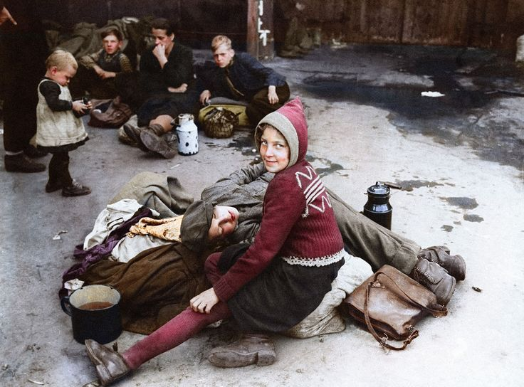 vintage everyday: 13 Fascinating Colorized Photos of Refugees During World War II