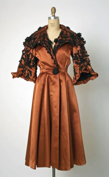Cristobal Balenciaga coat ca. 1948 via The Costume Institute of the Metropolitan Museum of Art