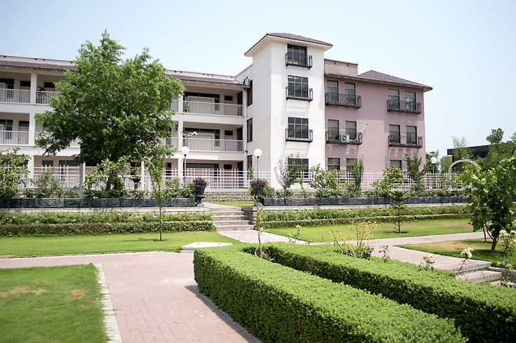 Headstart School Kuri Campus is one of the most modern campuses in Islamabad in terms of facilities.