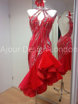 If it wouldn't cost the price of my 1st bon son baybe I would wear this. Maybe the price of my 1st born daughter instead? Lo Jk. Ajour Design London
