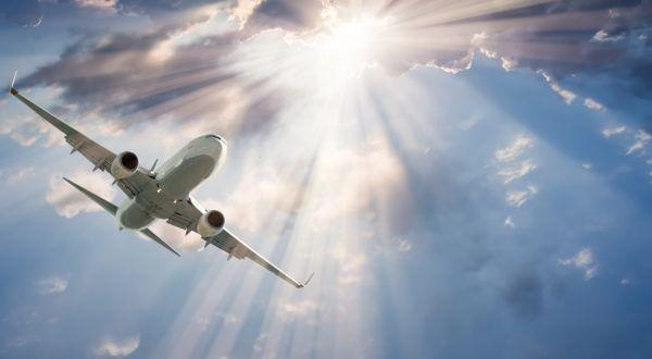 Se zice că avionul este cel mai sigur mijloc de transport și că pericolele la care suntem supuși în timpul zborului sunt infime, dar cum rămâne cu expunerea la radiații.   #Aeroport #Care este riscul de radiații la care te supui în timpul zborului cu avionul #entertainment #Fanii Game of Thrones tocmai au primit cea mai bună veste legată de noul sezon #Feature #radiatii #raze x #Reduceri eMAG: Gadgeturi care îți îmbunătățesc ziua la birou #review