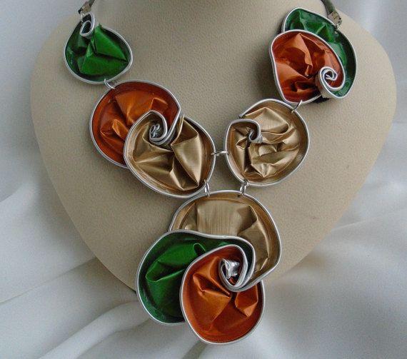 reciclado, collar, una gargantilla collar con nespresso de aluminio remolinos