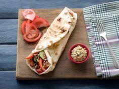 Libanees platbrood Met gehakt en aubergine-hummus
