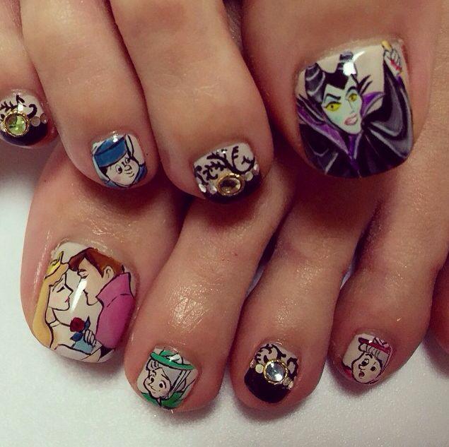Sleeping Beauty Nails: 105 Best Disney Nails Images On Pinterest