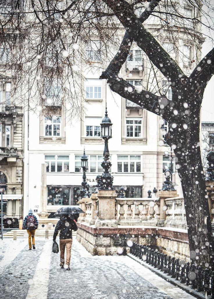 Budapest, Hungary - Budapeszt w śniegu taki piękny | www.shakeit.pl