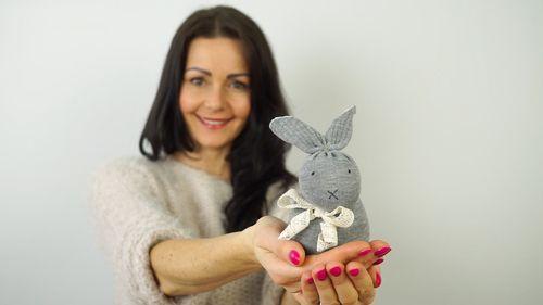DIY Zajačik z ponožky #handmade #zajac #velikonoce #DIY #navod