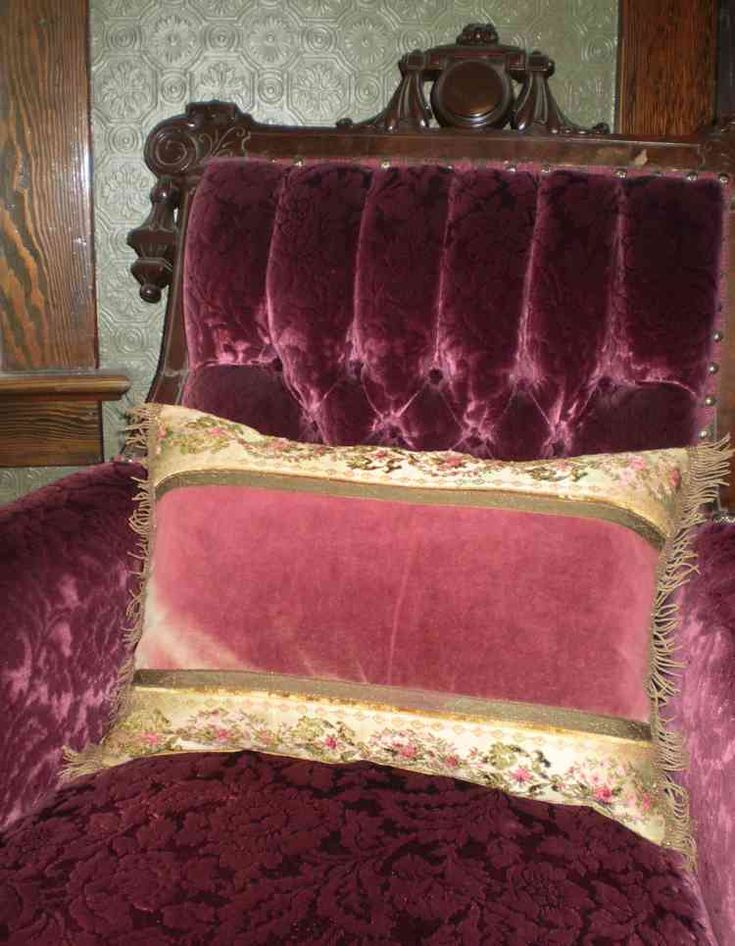 Victorian Era Pillows : 255 best images about Velvet - Various Forms of Beauty on Pinterest See more ideas about ...