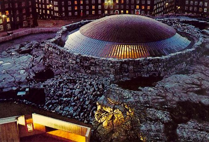 The Temppeliaukio Kirkko (Rock Church) is a thrilling work of modern architecture in Helsinki. Completed in 1969, it is built entirely underground and has a ceiling made of copper wire.