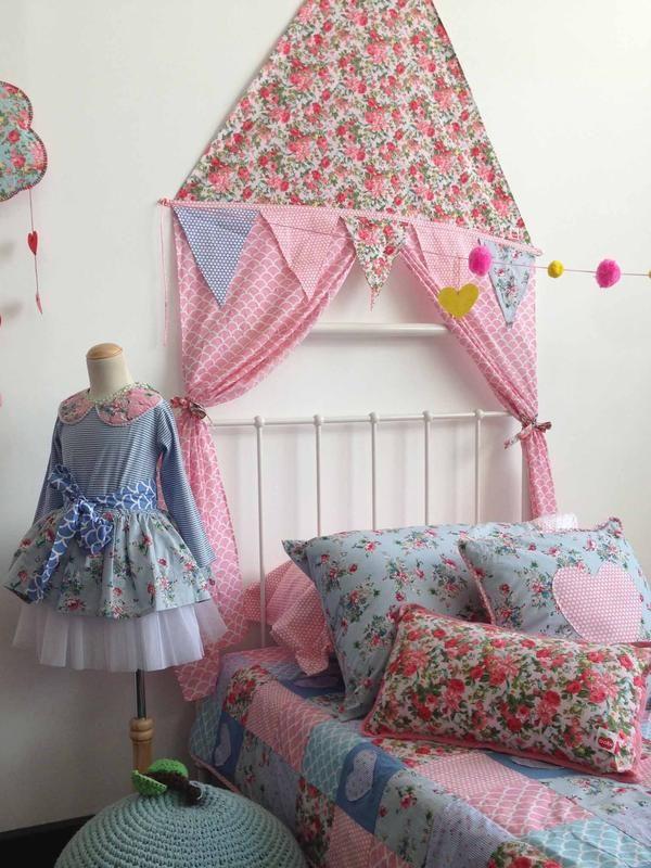 Homewares - Pink Roses Corner Tent