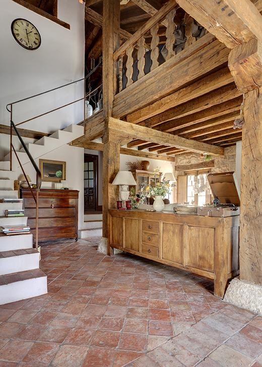 Una preciosa casa de campo de estilo r stico casa campo - Revestimiento de ladrillo ...