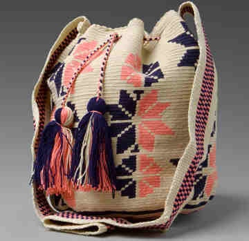 $113 US Dollars or 83 Euros. Includes International Shipping. Each mochila takes 4 days to be knitted. Whatsapp +57 3154833188. Pin: 7a85e20e. Catalog in: www.artemalu.com