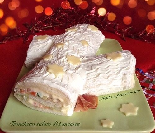 """Il """"Tronchetto salato di pancarré"""" è ottimo da servire in occasione delle festività natalizie, provate anche voi questa semplice ricetta.. Piacerà a tutti!"""