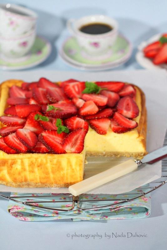 Cheesecake with strawberries @Nada Duhović