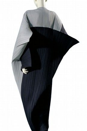 Where have all the masters Gone? Dress, Issey Miyake, 1990. Museum no. T.231-1992.