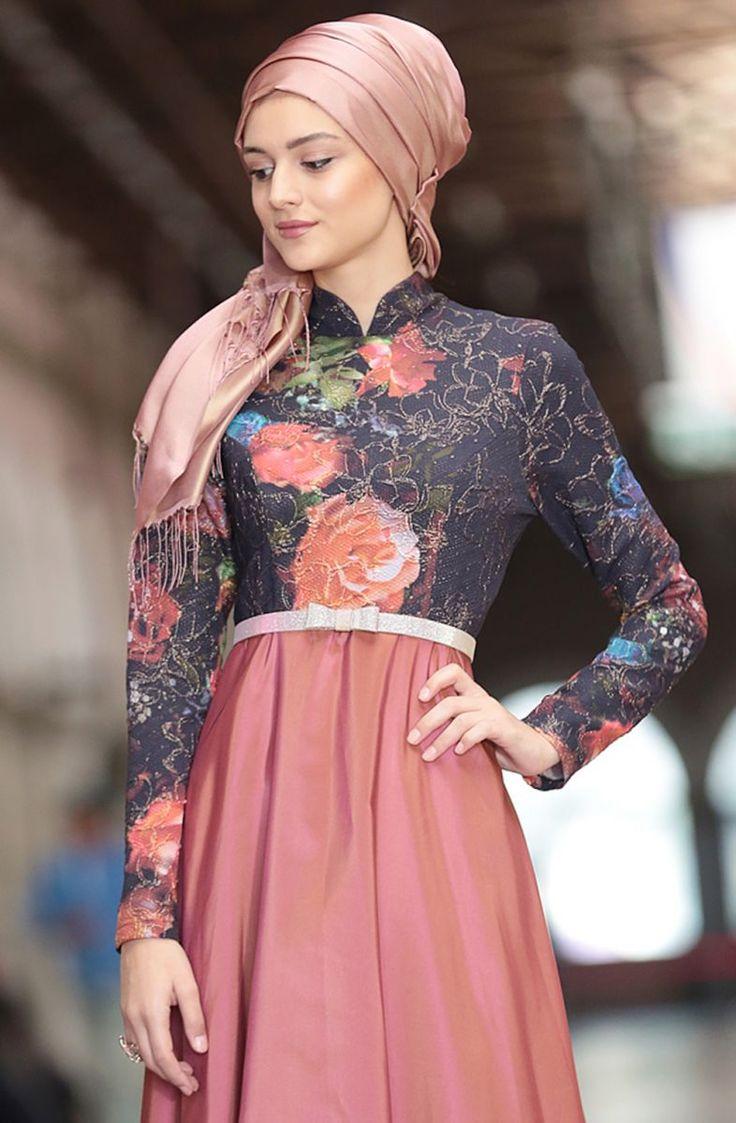 http://www.fulyan.com.tr/nilufer-kamacioglu-favori-abiye-elbise-201703101-gul-kurusu-279757-66-B.jpg