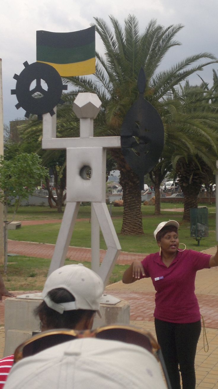 First monument erected in SA by Steve Biko