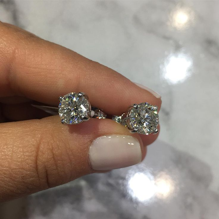 4.4ct F colour SI2 amazing stud earrings, in store now!